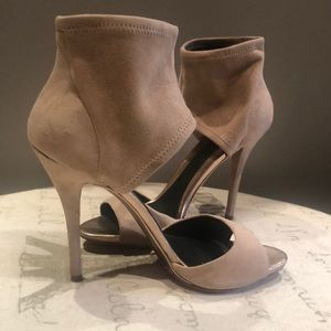 Brian Atwood suede ankle sandal size 8.5